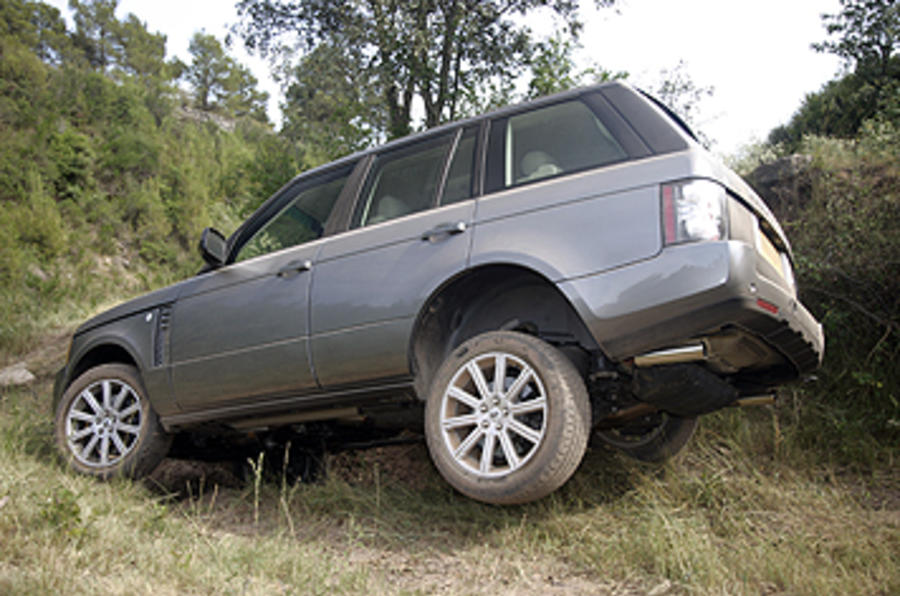 Range Rover tough off-roading