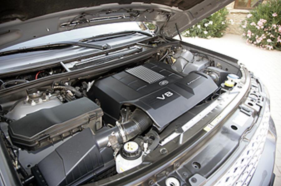 5.0-litre V8 Range Rover petrol engine