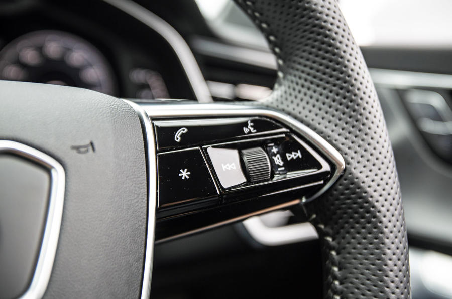 Audi A6 Avant 2018 road test review - steering wheel controls