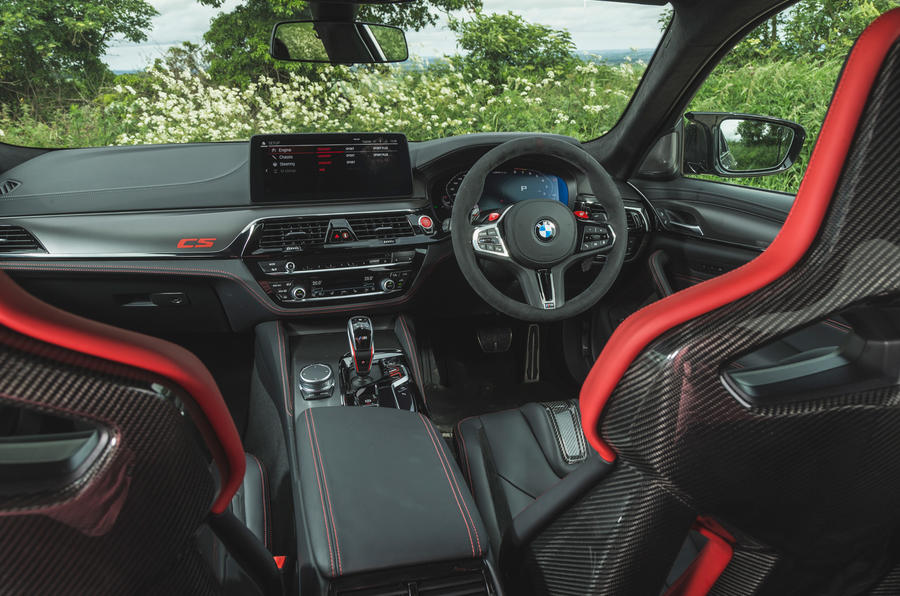 15 BMW M5 CS 2021 RT habitacle