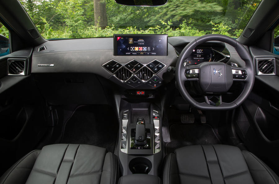 DS 3 Crossback 2019 road test review - dashboard
