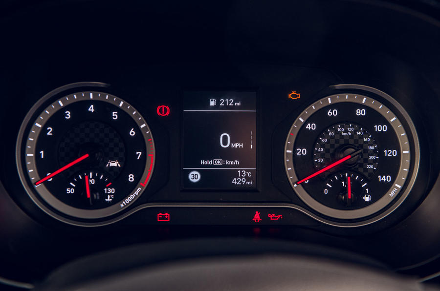 Hyundai i10 2020 road test review - instruments