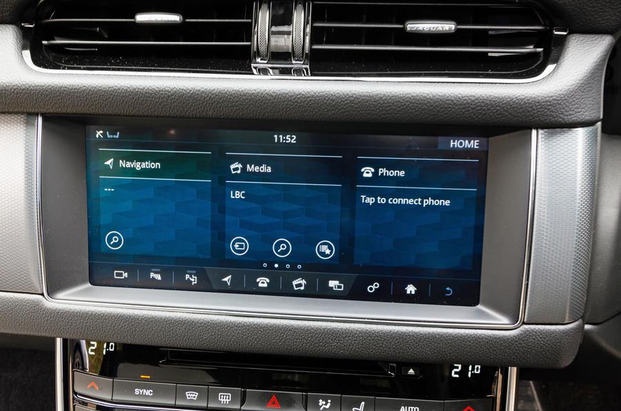 Jaguar XF Sportbrake 2019 road test review - infotainment