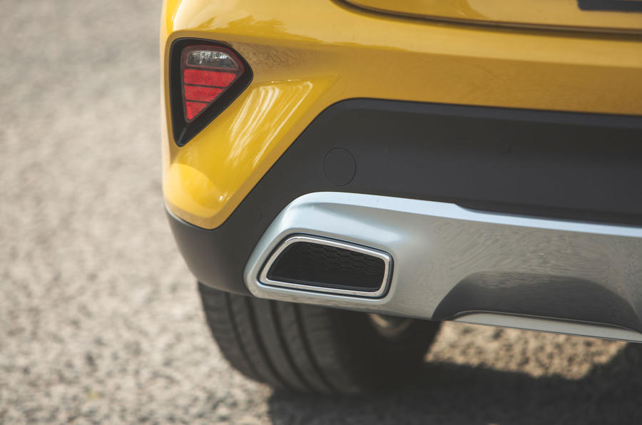 Kia Xceed 2019 road test review - exhaust