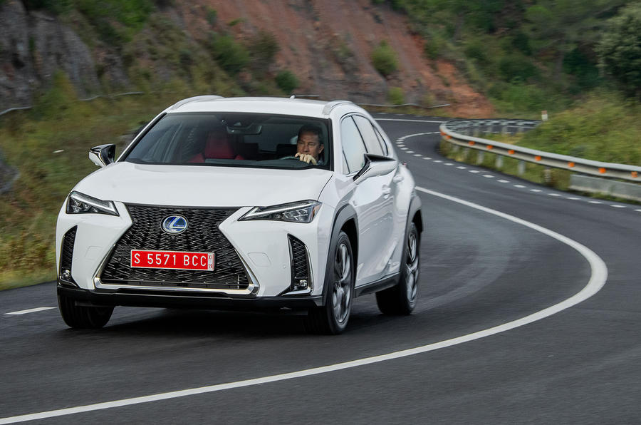 Lexus UX 2019 road test review - on the road front