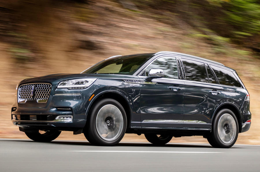Lincoln Aviator 2020 road test review - on the road