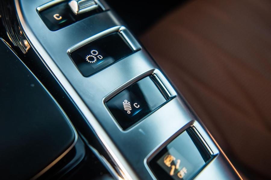 Mercedes-AMG GT four-door Coupé 2019 road test review - centre console
