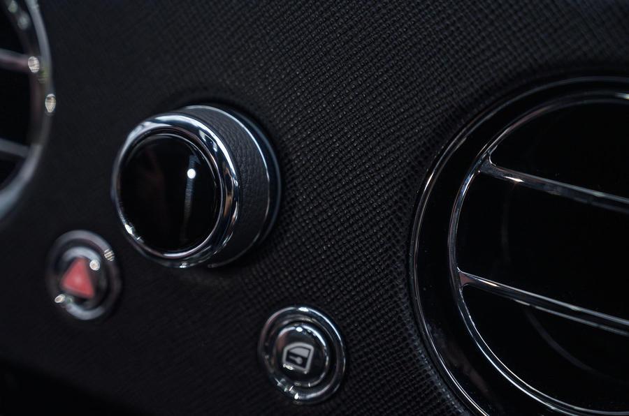 Rolls Royce Cullinan 2020 road test review - dashboard trim