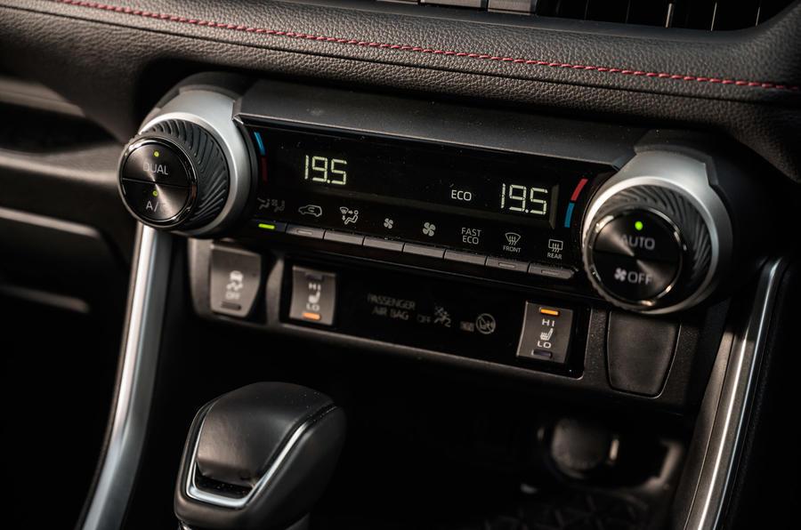15 Suzuki Across 2021 : essai routier des commandes de climatisation