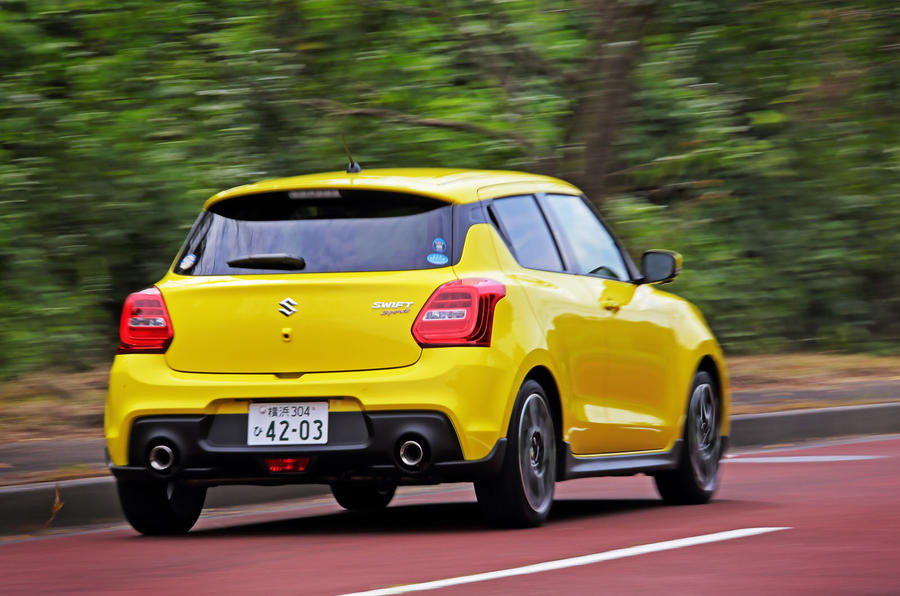Suzuji Swift Sport Japan-spec review cornering rear