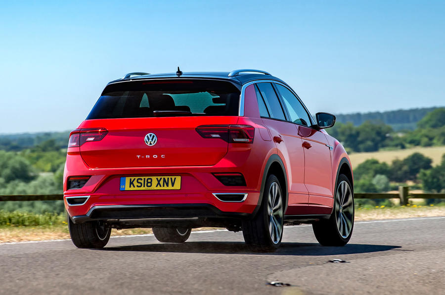 Volkswagen T-Roc 2019 road test review - cornering rear