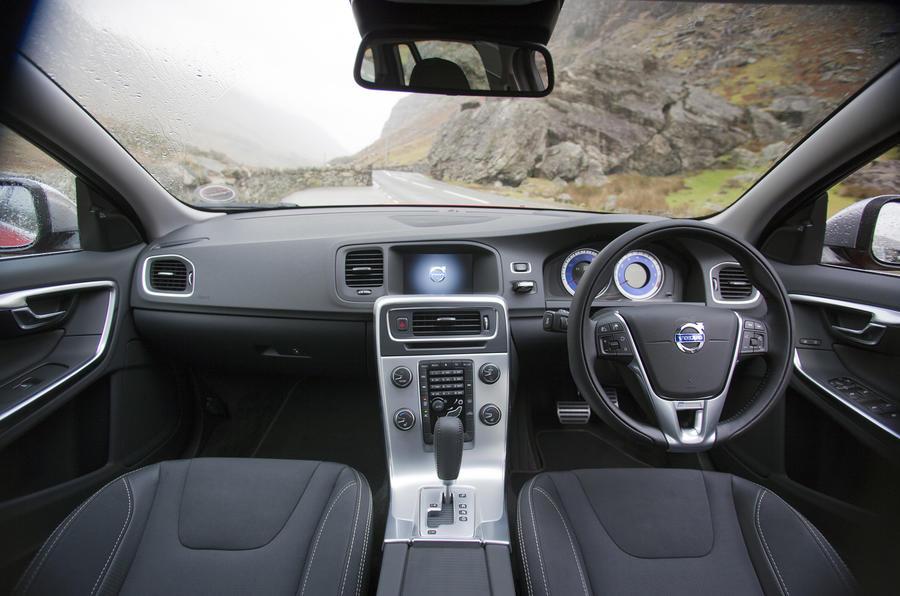 Volvo V60 T5 R-Design dashboard