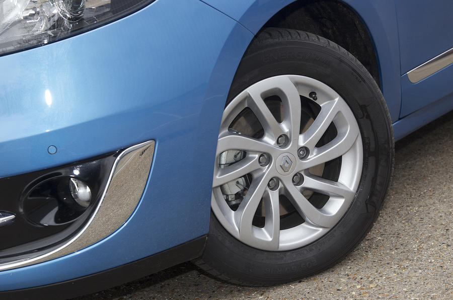 15in Renault Grand Scenic alloy wheels