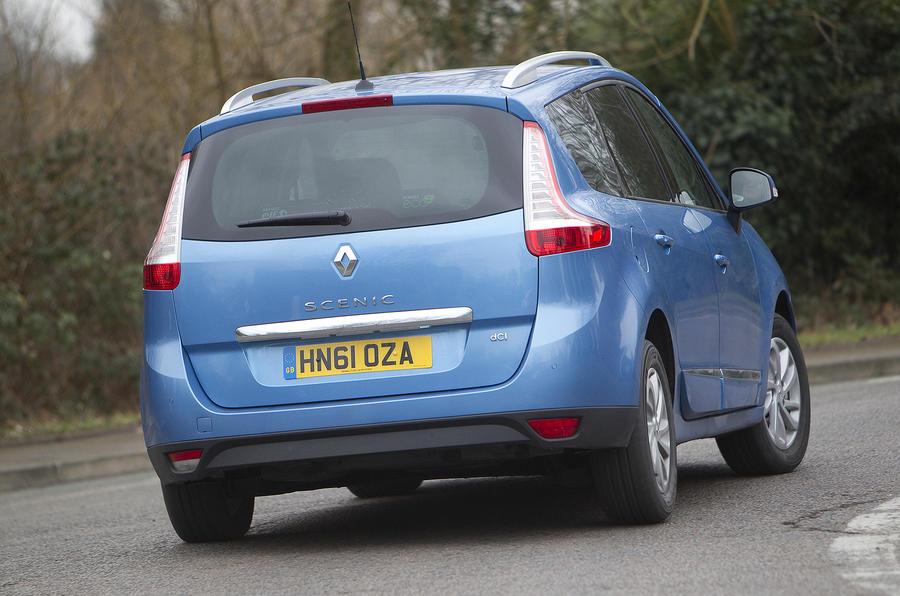 Renault Grand Scenic rear cornering