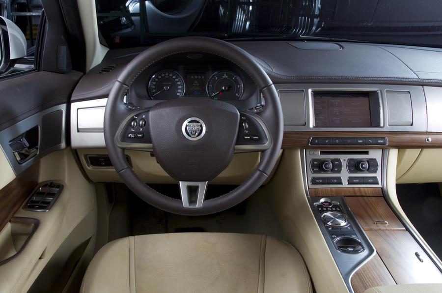 Jaguar XFR dashboard
