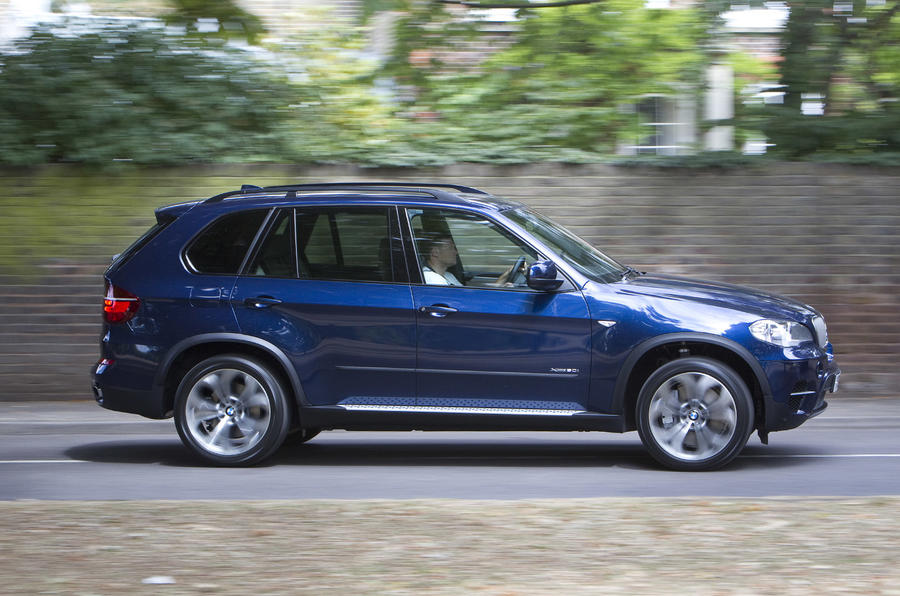 BMW X5 xDrive50i SE side profile