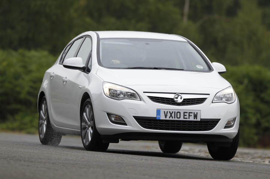 Vauxhall Astra ecoFLEX cornering