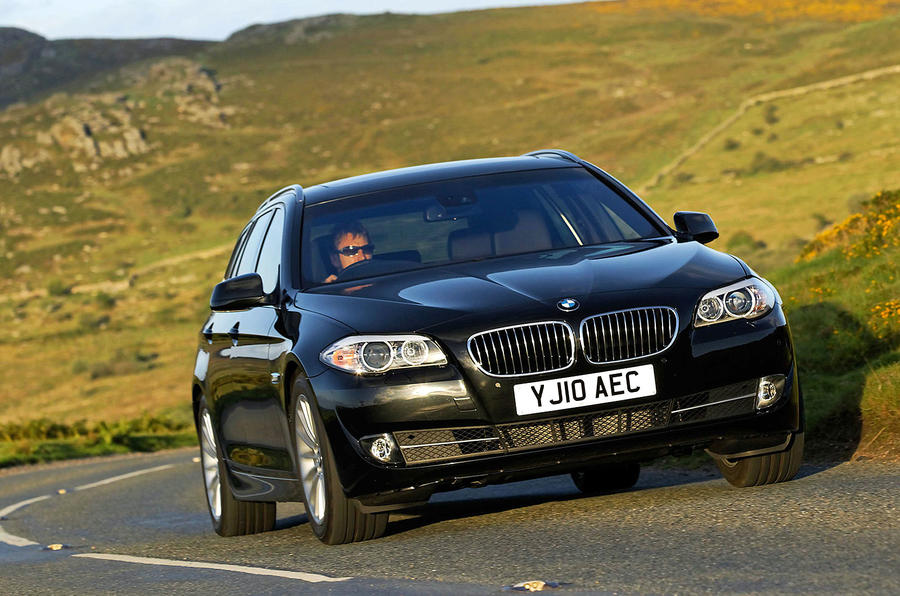 BMW 520d Touring parked up