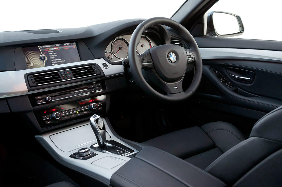 BMW 520d Touring interior