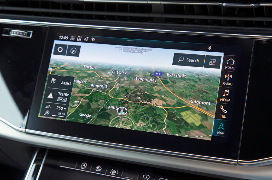 Audi Q8 50 TDI Quattro S Line 2018 road test review - satnav