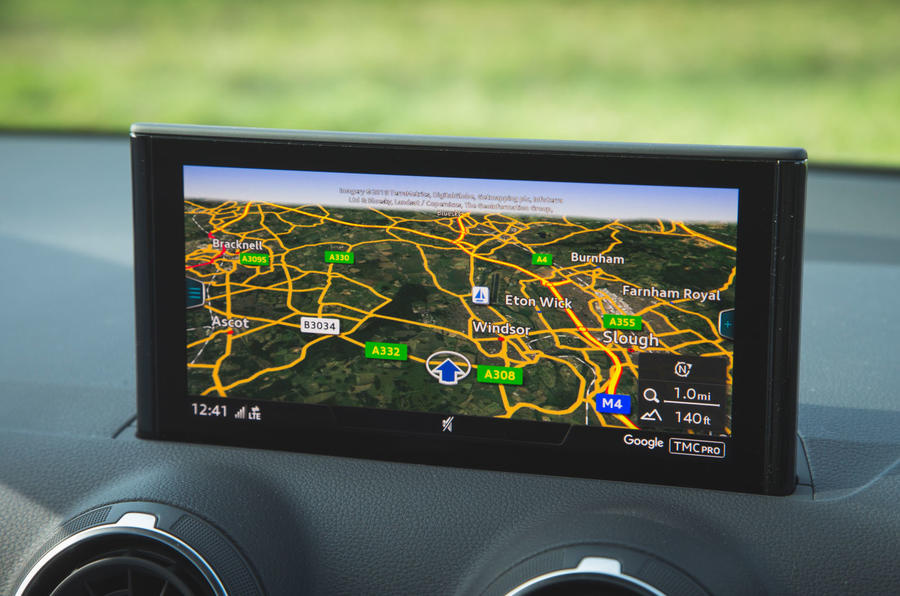 Audi SQ2 2019 road test review - infotainment maps