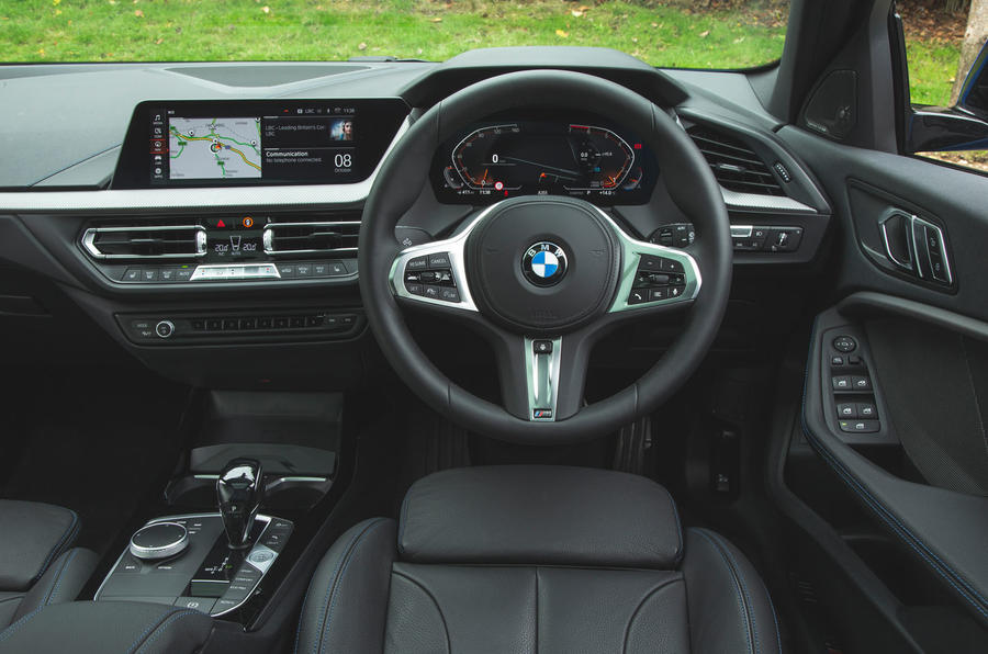 BMW 1 Series 118i 2019 road test review - dashboard