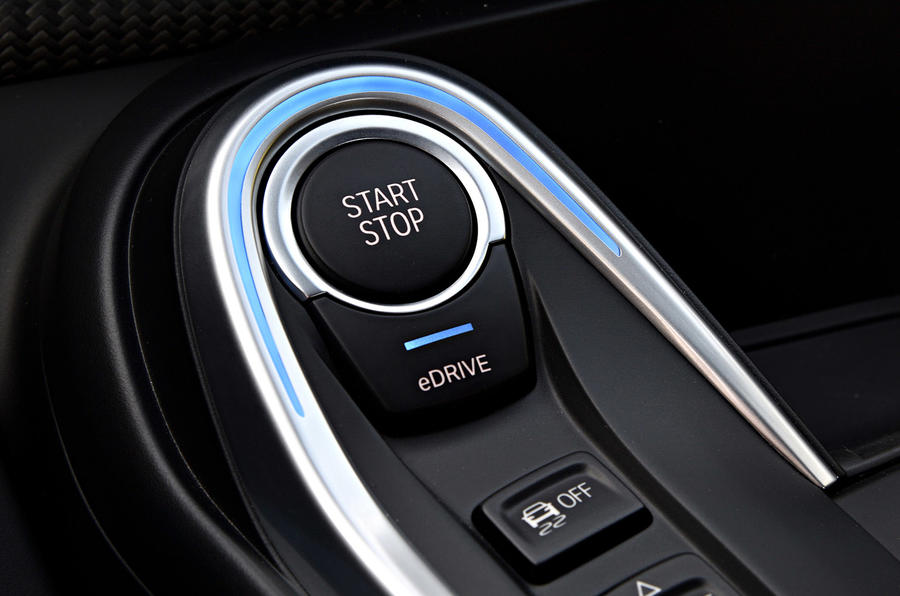 BMW i8 Roadster 2018 review start button