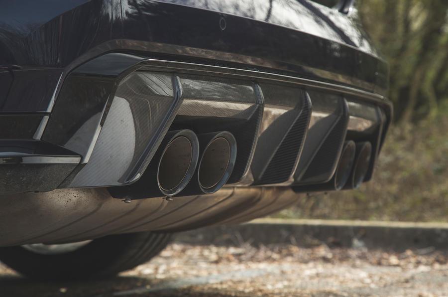 16 BMW M4 Competition 2021 RT échappements arrière