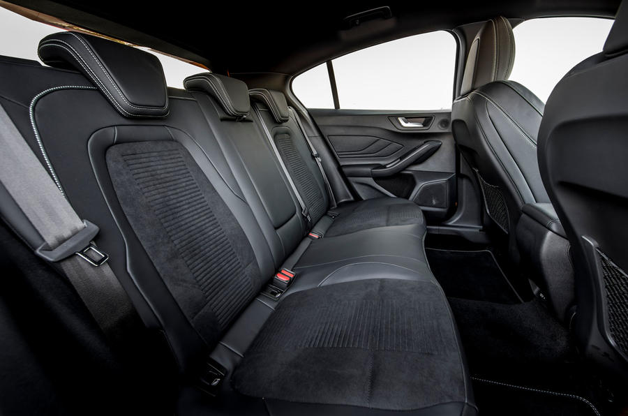 Ford Focus ST 2019 review - rear seats