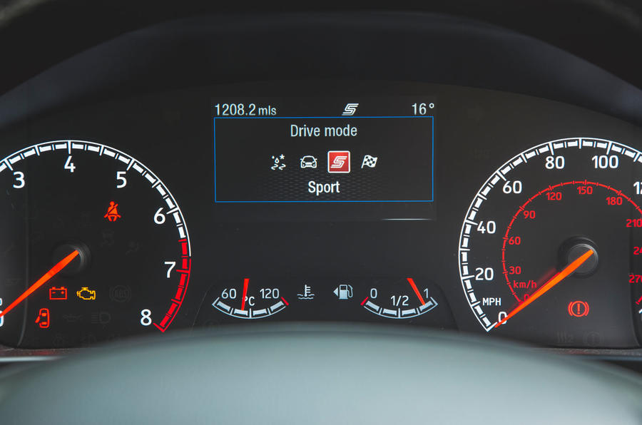 Ford Focus ST 2019 road test - drive modes