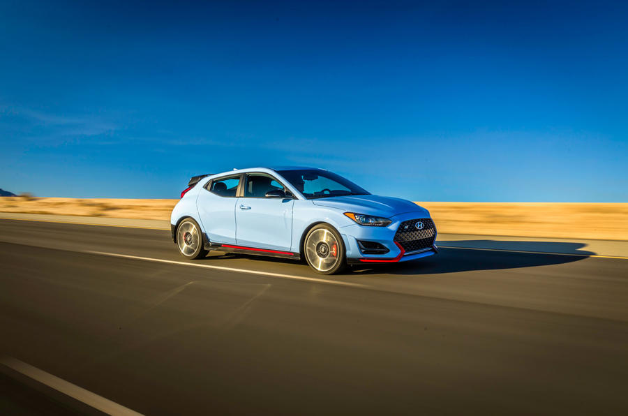 Hyundai Veloster N 2018 review - on the road side