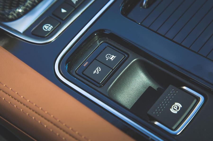 Jaguar F-Pace SVR 2019 first drive review - exhaust control