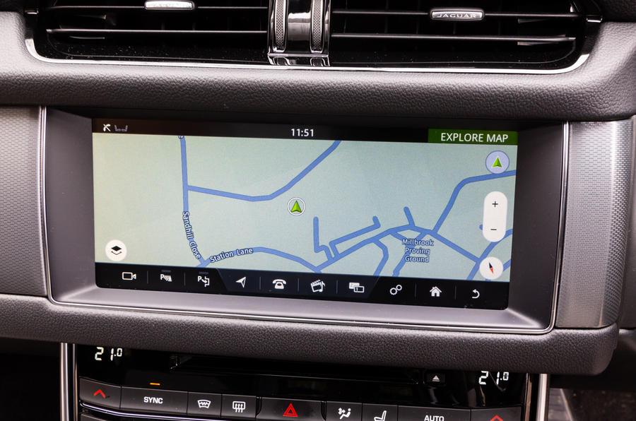 Jaguar XF Sportbrake 2019 road test review - infotainment satnav