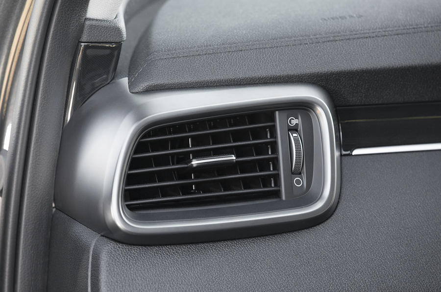 Kia Sorento 2018 road test review air vents