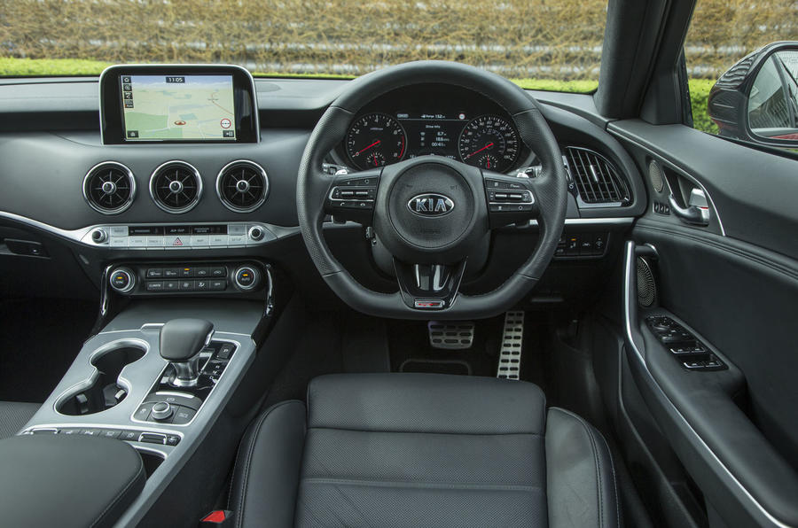 Kia Stinger GT line 2018 review dashboard