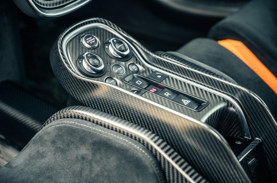 16 McLaren 620R 2021 road test review centre console