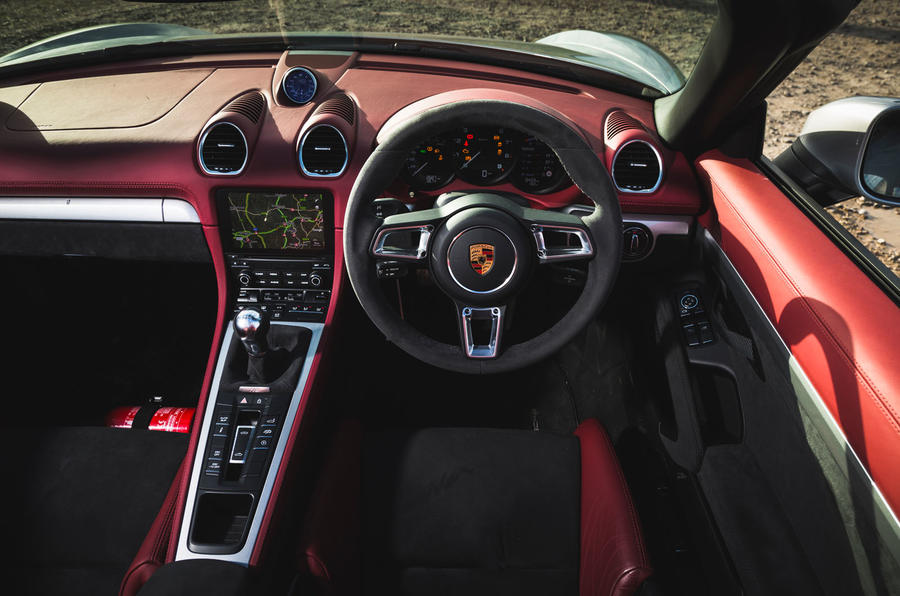 Porsche 718 Spyder 2020 road test review - steering wheel