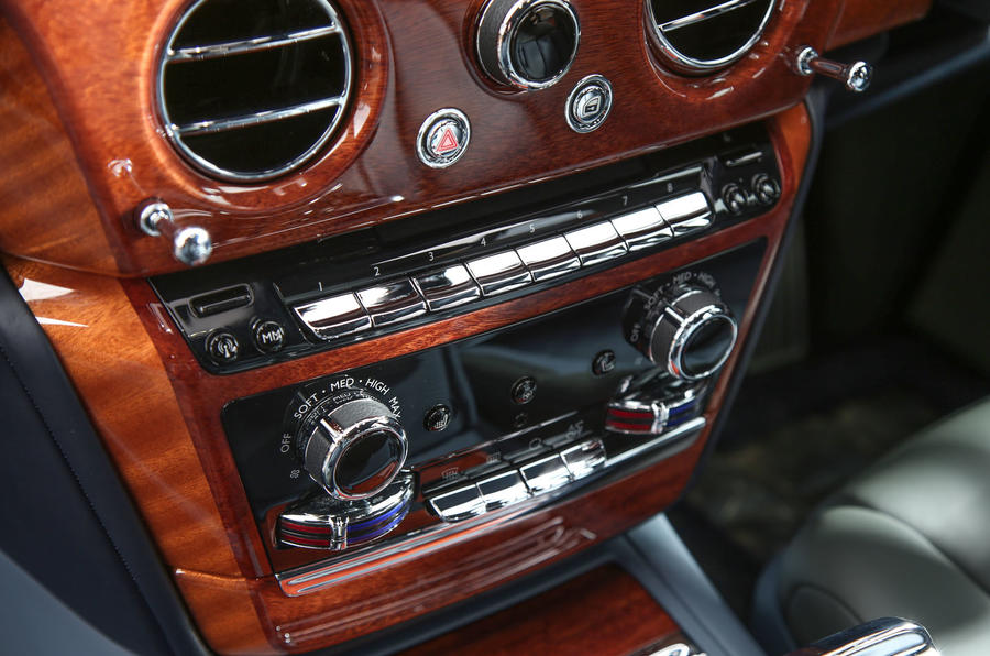 Rolls Royce Phantom 2018 review centre console