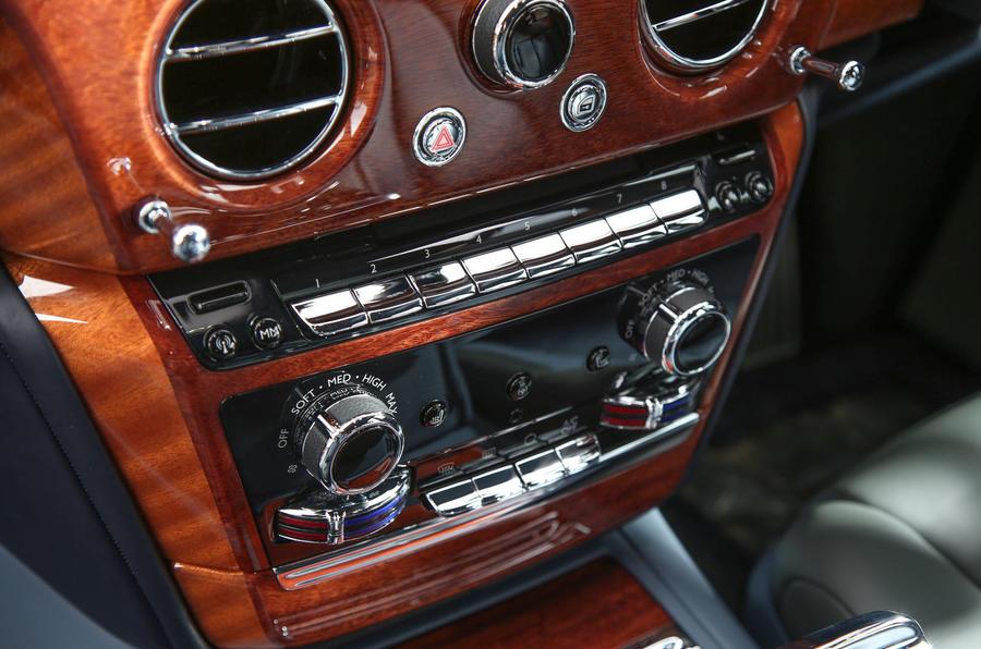 Rolls Royce Phantom 2018 review centre console