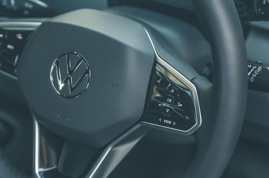 16 VW ID 3 2021 essai routier volant