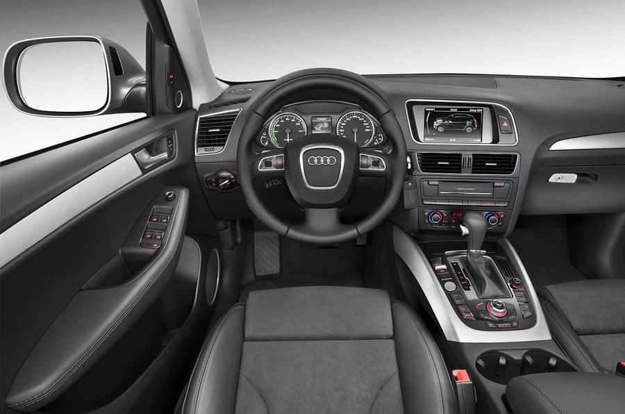 Audi Q5 Hybrid dashboard