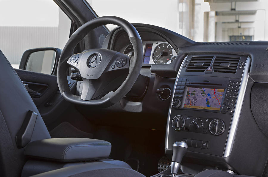Mercedes-Benz B 55 interior