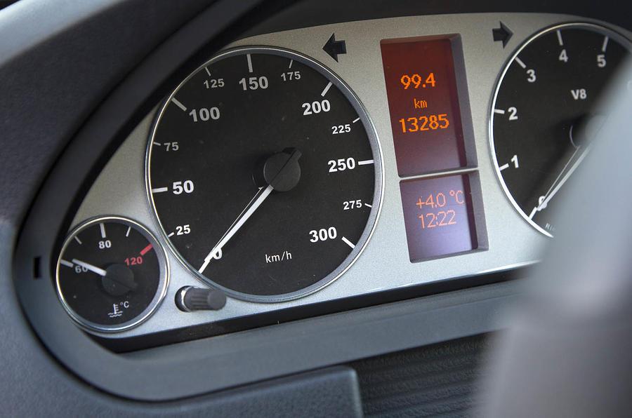 Mercedes-Benz B 55 instrument cluster