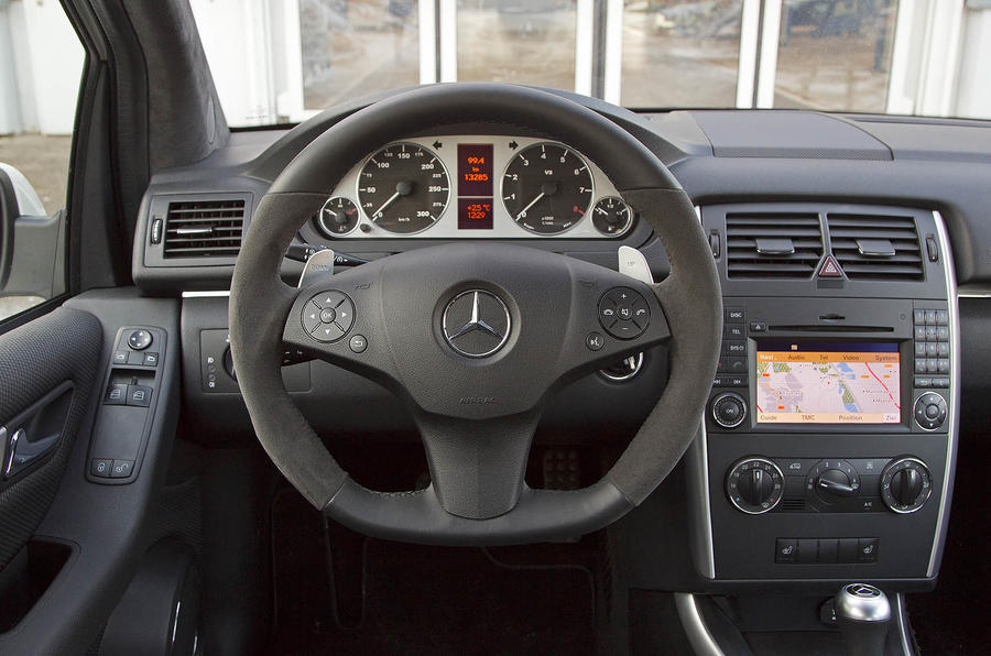 Mercedes-Benz B 55 dashboard