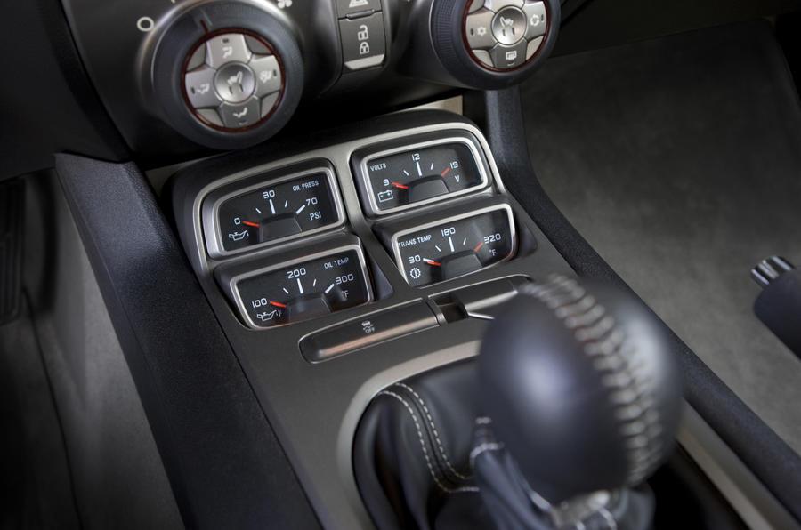 Chevrolet Camaro SS gauge