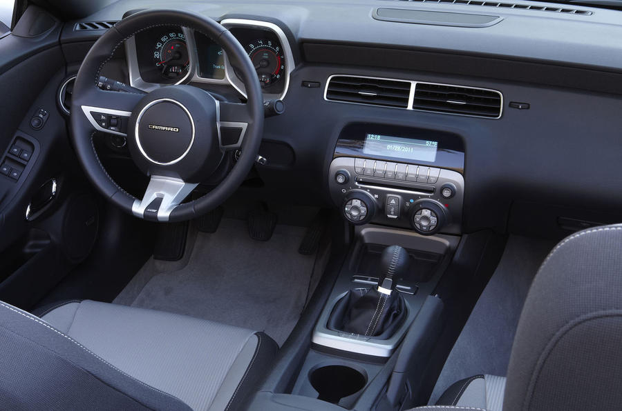 Chevrolet Camaro SS dashboard