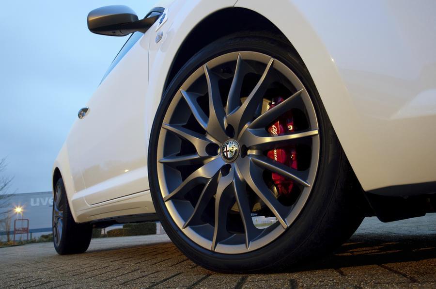 17in Alfa Romeo Mito Cloverleaf alloys