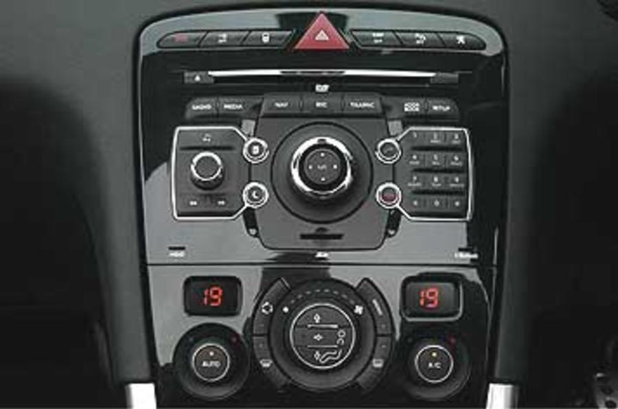 Peugeot 308 CC  2.0 HDi 136 Auto