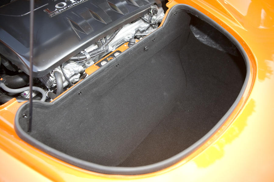 Lotus Elise boot space