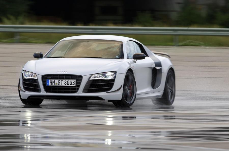 Audi R8 GT drifting